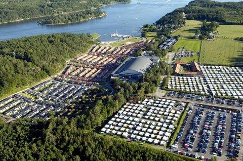 Oslofjord Conference Center på Brunstad har mange overnattingsplasser. Nå skal de etter avtale med UDI, ta i mot inntil 1000 flyktninger som trenger akutt bosted.
