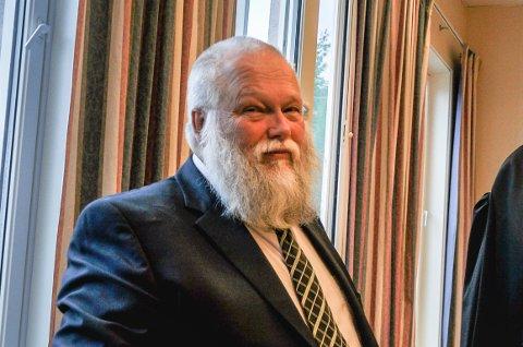 KLAGET: Dag Sverre Aamodt har klaget til kommunen på grunn av dårlig tilrettelegging på valgdagen. Han måtte stå ute i kø i regnet.
