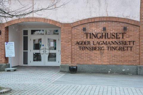 MÅTTE MØTE I RETTEN: Kvinnen ble tiltalt for uriktige opplysninger mot sin tidligere sjef og måtte møte i Tønsberg tingrett. Der ble hun til slutt frifrunnet.