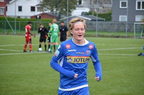 TOMÅLSSCORER: Jakob Maslø Dunsby scoret begge målene da SFs G18-lag vant 2–1 over Florø.