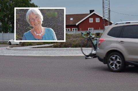 VRIEN OPPGAVE:Vi er på Jarlsberg, ved rundkjøringa der, og må krysse veien for å komme inn til dyrlegen. Bagateller for bileiere. Fotgjengere har ikke tjangs, skriver Ruth Arntzen.