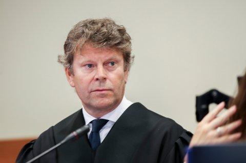 BEKREFTER: Firings advokat, Thomas Skjelbred (bildet) bekrefter at hans klient aksepterer varetektsfengslingen.