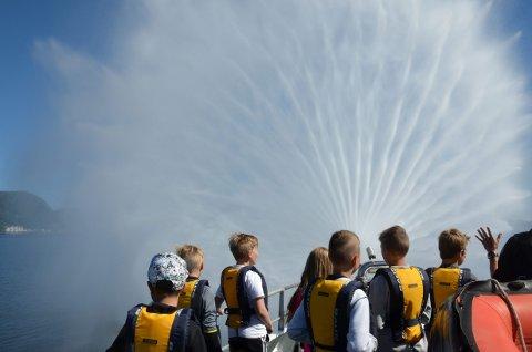 SOMMERSKOLE: Nordtrønderske kommuner får tilskudd til å utvide ulike sommertilbud for barn. Dette bildet er tatt ombord på redningsskøyta Harald V.