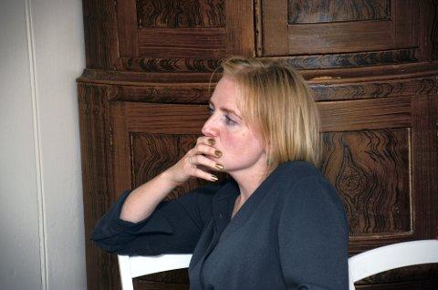 SKJERPER INN: Ordfører Ida Stuberg tør ikke følge den nasjonale gjenåpningplanen slik smittesituasjonen er i nærområdet.