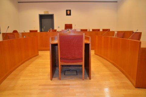 En tvedestrandsmann i 60-årene er tiltalt for grov kroppskrenkelse mot sin eks-kone. Illustrasjonsfoto