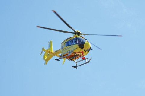 Ambulansehelikopteret sirklet over Vegårshei i natt.