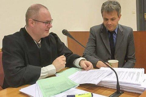 Dømt for tre år siden: Aktor Carl Henning Leknesund og forsvarer Ole Joakim Devold ba tingretten om samme dom i rettssaken for tre år siden. Mannen ble dømt til tvungen psykisk omsorg, og dommen ble nå opprettholdt etter tre år.Arkivfoto