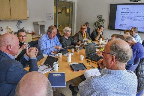 Formannskapet i Tvedestrand: Lokalpolitikerne i Tvedestrand har en godtgjørelse som ligger under landsgjennomsnittet, og godgjørelsen skiller seg ikke vesentlig fra hva lokalpoltikierne i nabokommunene får.  Foto: Arkiv