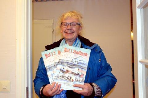 Jul i år òg: Margunn Søyland med endå eit eksemplar av «Jul i Valdres», som starta opp i 1960.