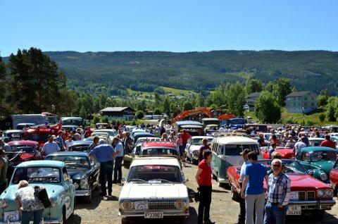 Stor interesse: Valdresløpet i fjor hadde deltakerrekord med hele 164 startende kjøretøy.