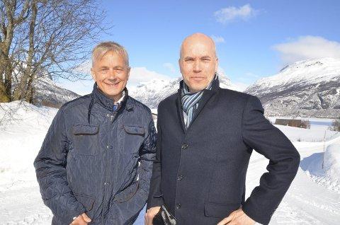 Såg sola: Fylkesmann for Innlandet, Knut Storberget, og assisterende fylkesmann, Sigurd Tremoen, på besøk i Vang i fjor.