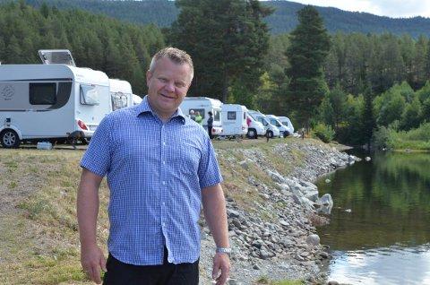 40 nye fjordplasser: Daglig leder, Lars Tore Berg, er fornøyd med de 40 nye fjordplassene på campingen som ble ferdig i år.