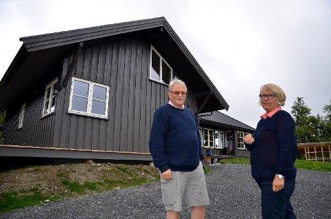 Feil: - Flere i Aurdal bør være skuffet over dette vedtaket, sier Knut Nes og  Elisabeth Kerr Eckbo i Aurdalsåsen Hytteforening.