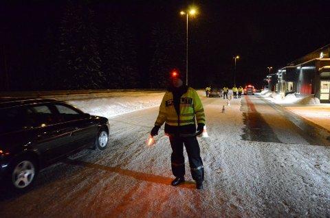 Vi var mange som ble vinket inn til Kalplassen denne kvelden. Ingen hadde promille. Foto:Geir Helge Skattebo