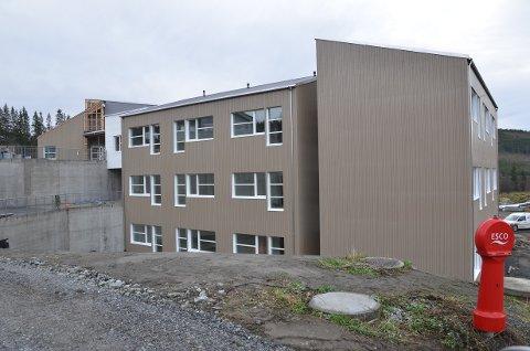 Sluttfase: AS Valdresbygg er i sluttfasen med Øystre Slidre helsetun, som skal innehalde 36 sjukeheimsrom og 18 omsorgsbustader med heildøgns bemanning. Bygget skal også ha eit dagsenter, felleskjøkken og areal for opptrening/rehabilitering. Det totale bruksarealet er på heile 6.500 kvadratmeter.