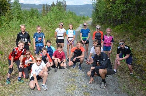 Reinli: Langrenns- og skiskyttartalent frå Valdres ski og Bagn IL fekk ei treningsøkt med skiskyttar Tarjei Bø.