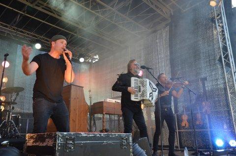 Mye hår: Mens vokalist Gaute Lein Ausrød har latt barten gro, så har låtskriver Ørnulf Juvkam Dyve latt skjegget gro. Asle Tronrud derimot greide seg med todagers skjegg.