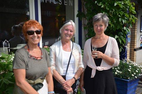 Utstilling: «Treklang» med Tone Hellerud (f.v.), Eva Laila Hilsen og Hildegunn Spjøtvoll vart opna søndag hos Galleri Hilsen på Fagernes.