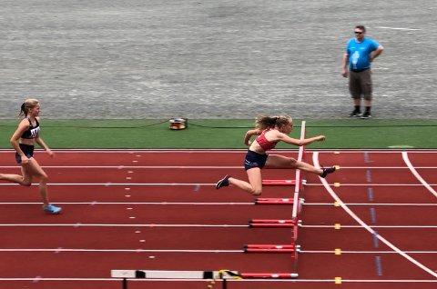 SUVEREN: Selv på en kort distanse som 60 meter hekk var Cassandra Ødegård Nilsen langt foran konkurrentene.
