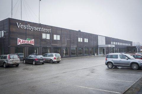 Gamle Vestbysenteret: Skal bli til et digert lekeland for barn. foto: Åsmund A. Løvdal