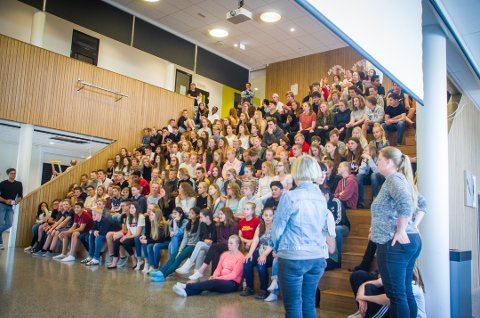 Fullsatt: Både 8., 9. og 10. trinn på Vestby ungdomsskole fikk høre foredraget.