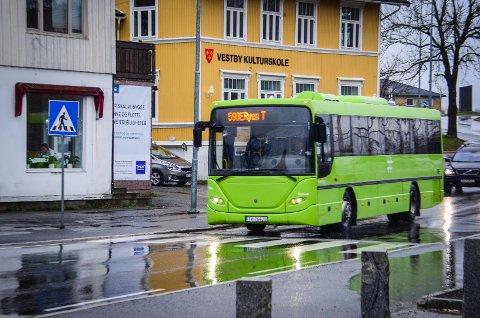 LEGGES NED: Buss 590E mellom Vestby og Ryen legges ned fra 9. desember.