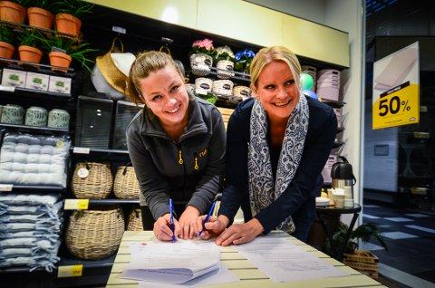 SIGNERTE: Assisterende butkksjef i Vestby Mari Willumstad og leder for NAV Vestby Rikke Haagensen.