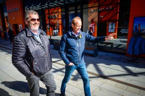 SATSER PÅ TURISME: Ordfører Tom Anders Ludvigsen og Einar Sørland ved Norwegian Outlet har tro på Vestby kommune som turistdestinasjon.