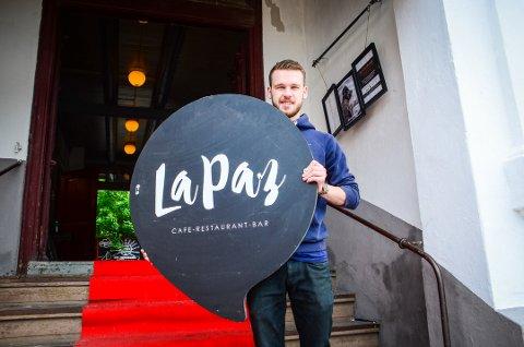 KLAR TIL ÅPNINGSFEST: Henrik Didriksen Brenna lover gode smaksopplevelser hos den nye restauranten La Paz Son som åpner fredag 22. juni.