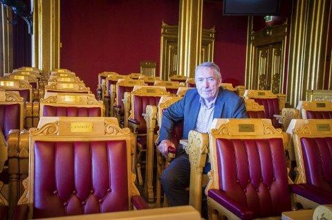 RUTINERT: Nils Aage Jegstad er inne i sitt sjette år som samferdselspolitiker på Stortinget. Han er med det en av de mest rutinerte representantene i Transport- og kommunikasjonskomiteen.