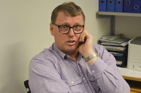 David Koht-Norbye fra Østfoldbadet reagerer på det han kaller flisespikkeri fra Mattilsynet.