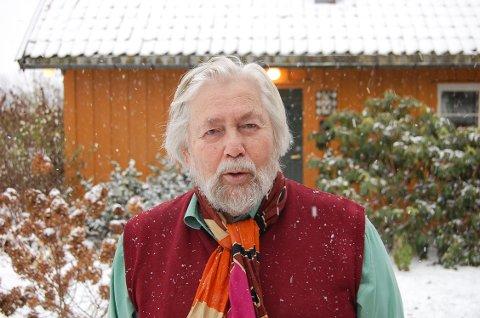 NYSGJERRIG: - Jeg drives av nysgjerrighet og det blir det mange bøker av, sier forfatteren Tor Åge Bringsværd. Han ligger helt i norgestoppen når det gjelder antall skjønnlitterære titler..