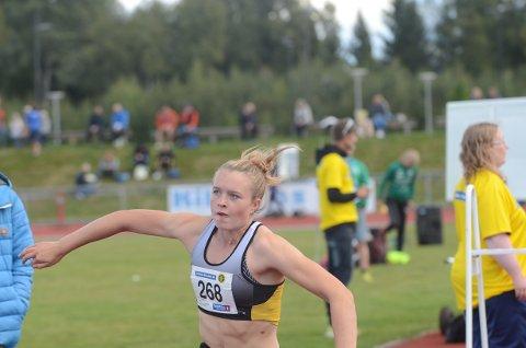 GULL: Mathilde Sofie Karlsen fra Vestby vant i helgen tresteg under NM for yngre. Dette var første gang Vestby-jenta står på toppen av seierspallen under et nasjonalt mesterskap.