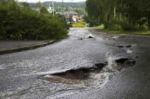 Beredskap: Evjeveien ble skadd av ekstremregn i september i fjor.