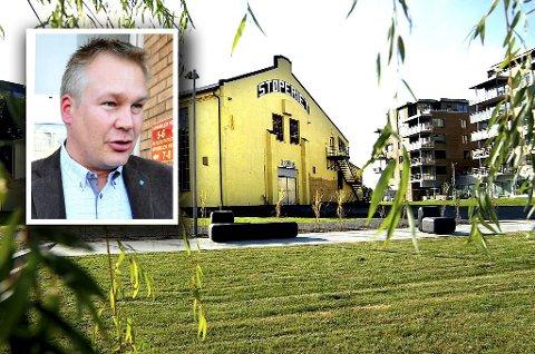 STØTTER DÖDERLEIN: Kommunestyrerepresentant Arne Magnus Berge (H) i Færder kommune synes det er en god ide å ha Gründerhuset i Støperiet.