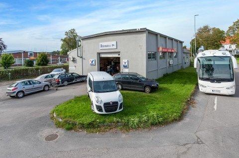 SELGES: Denne eiendommen på Vallø er lagt ut for salg. Og mange har allerede meldt sin interesse.