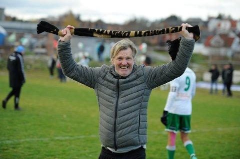 JUBEL: I 2018 kunne Kent Bergersen juble for opprykk med Kvik Halden. Nå håper Drøbakmannen på mer jubel med landslaget.