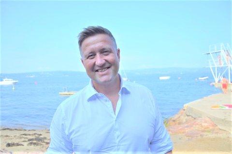Ordfører Truls Wickholm sier de vil gjøre tiltak flere steder ved strendene på Nesodden, med tanke på flere vil feriere hjemme i år.