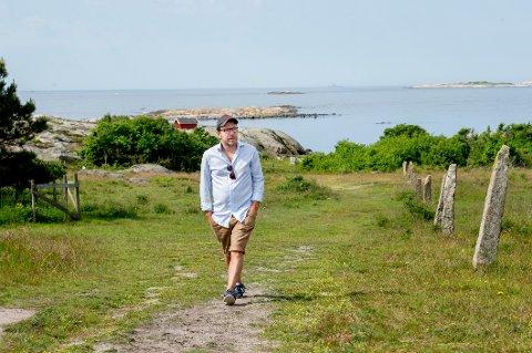 Jan Johannessen har bodd og jobbet i London, Stockholm, Bergen, Trondhjem og Oslo. Nå har han og samboeren Mette Randem funnet det gode liv på Asmaløy.