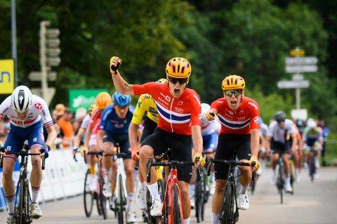 Anders Halland Johannessen vant torsdagens fjelletappe foran tvillingbroren Tobias i Tour de l'Avenir. Det norske landslaget står med tre seirer i årets ritt. Tvillingbrødrene fra Drøbak videreførte dermed den norske dominansen i det franske rittet for U23-landslag.