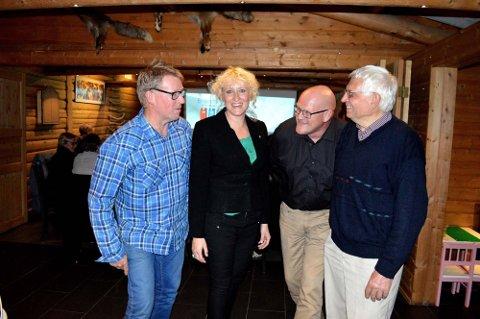 Karene må se seg slått av Runa Finborud, kommunens første kvinnelig ordfører. Fra venstre Roar Aksdal (SV), Runa Finborud (Sp), Thomas Lervik Engåvoll (KrF) og Arne Grue (Ap).