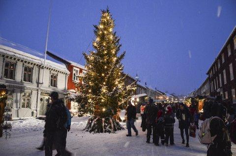 JULEMARKED: Julemarked Røros er en av mange anledninger til julehandel. Arkivfoto: Guril Bergersen