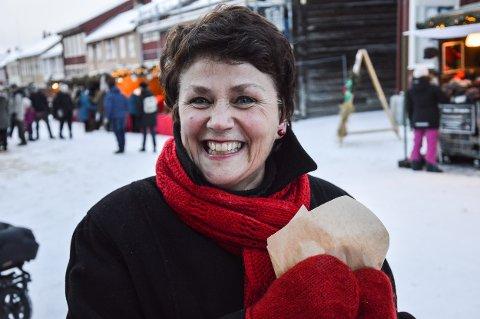 FORNØYD: Julemarkedssjef Lillian Sandnes er strålende fornøyd med åponingen av Julemarked.