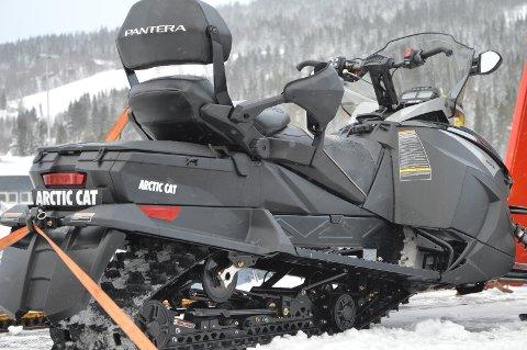 Grunneierne reagerer på at snøscooterne i Gauldalsløypa blir parkert i vinter. Heidi Greni forstår frustrasjonen godt. Arkivfoto: Monica Wold Hellandsjø