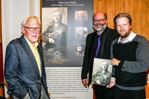 PRIS: Einar Gjærevold, Anders J. Reitan og John Ole Morken er tildelt Fagpublikasjonsprisen 2019 for sitt arbeide med boka om Anders Haugen.