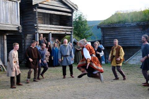 Tylldalen: I slutten av juli fylles Tylldalen bygdemuseum av det tradisjonelle spelet. Nå mangler forestillingen en bonde.