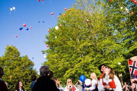 Slutt på  heliumballonger: Ballongene forsvinner i naturen og forurenser, sier Ås Høyre. Nå vil de ha et forbud i Ås.