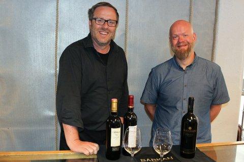 GLEDER SEG: Geir Aage Sveen og Sveinung Nag har gått sammen om å importere israelsk vin som mange allerede har etterspurt.