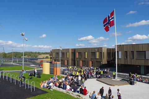 Mandag 3. september 2018 ble Solberg skole offisielt åpnet. Skolen ble nesten 55 millioner kroner billigere enn budsjettert.
