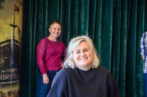 ÅPNER IGJEN: Kinosjef Kristine Tingvik Aas (foran) og programansvarlig på Ås kulturhus Myfanwy Moore gledre seg over at de igjen kan åpne dørene.